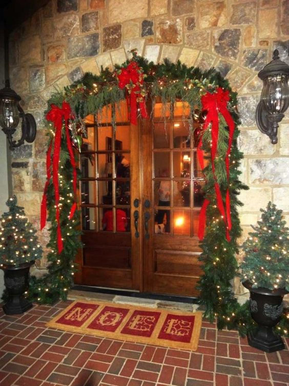 34-lit-up-evergreen-garland-with-red-ribbon