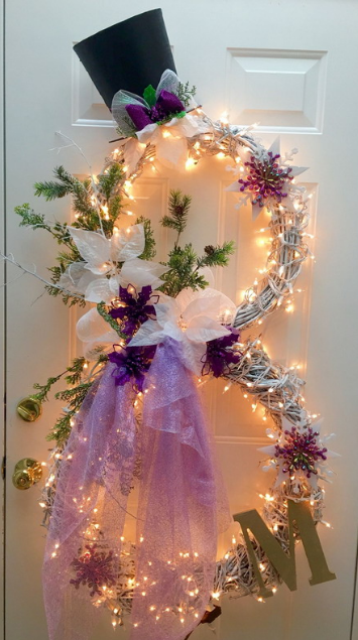 34-lit-up-snowman-wreath-with-a-monogram-and-tulle