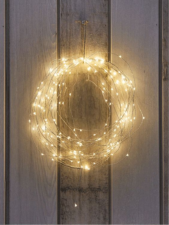 36-naked-wire-string-lights-wreath