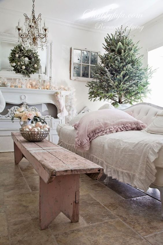 42-sweet-pastel-pink-and-ivory-living-room-decor-with-ornaments-flowers-ruffkes-and-lights
