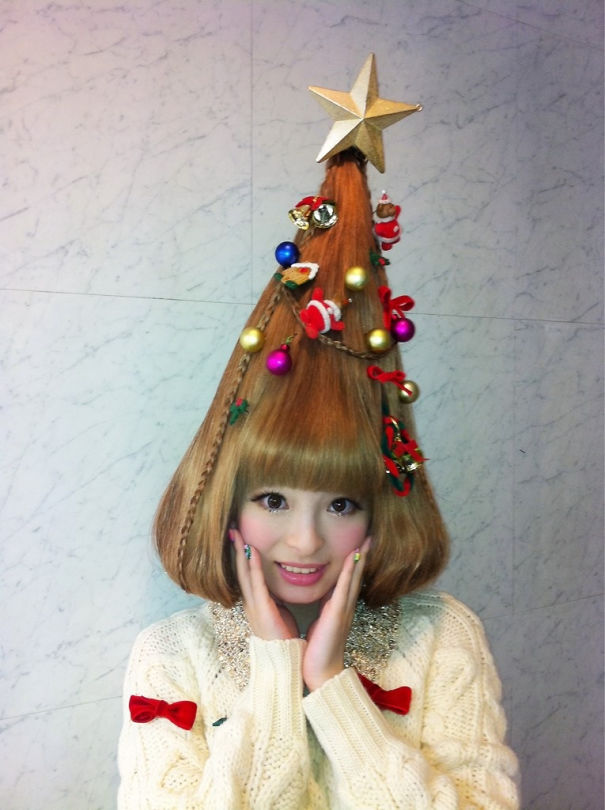 creative-christmas-hairstyles-45-58468d387c78e-png__605