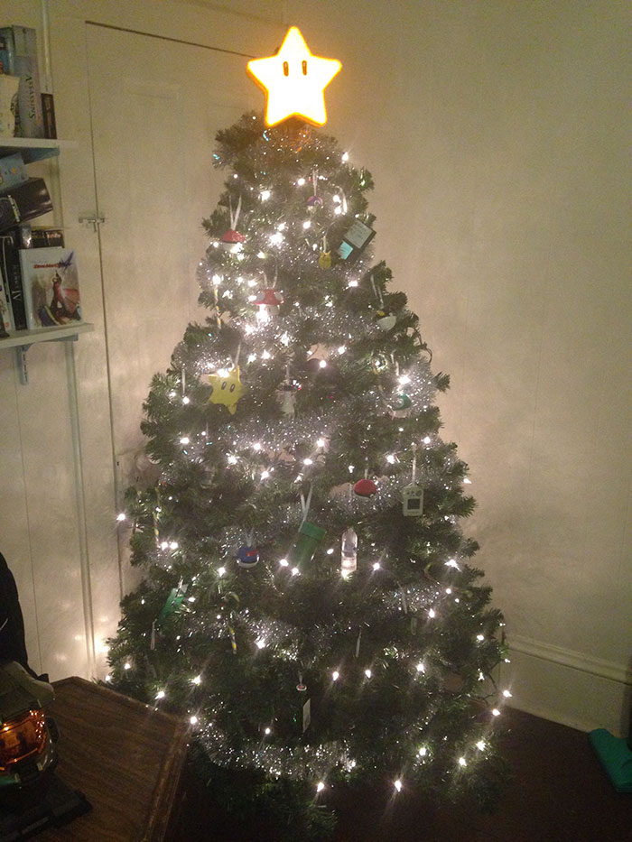 creative-christmas-tree-toppers-63-58481274d1e0d__700