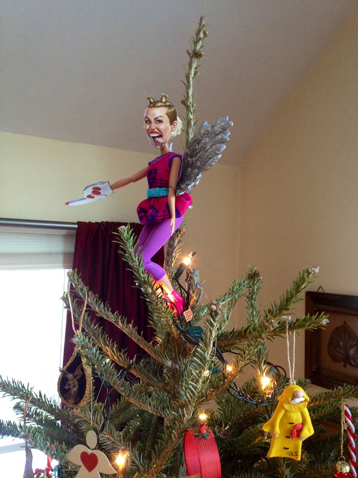 creative-christmas-tree-toppers-66-58481468bc121__700
