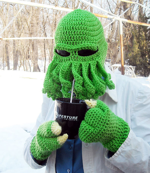 winter-knit-gift-ideas-keep-warm-hats-mittens-slippers-11-58259de2b1c47__605