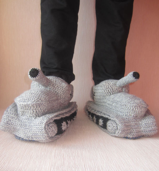 winter-knit-gift-ideas-keep-warm-hats-mittens-slippers-36-58259e1c74493__605