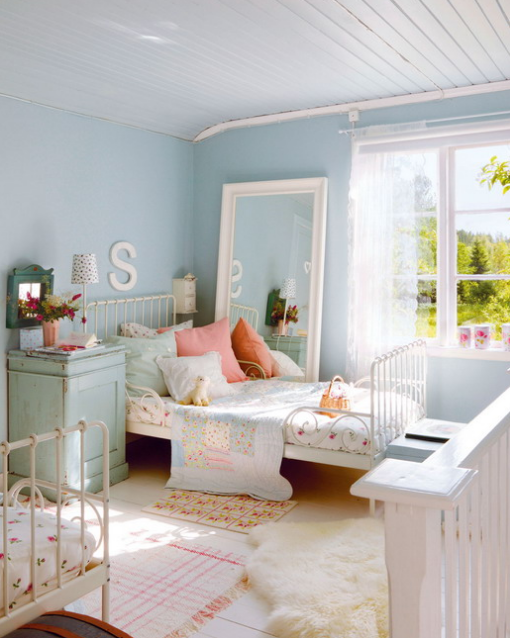 https://www.prohandmade.ru/wp-content/uploads/2017/09/serenity-blue-is-an-ideal-main-color-for-a-kids-room-soft-pinks-are-additional-and-white-color-polishes-it-all.png